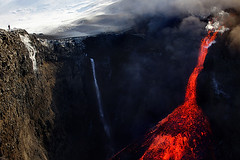 Lava fall (fredrikholm.se) Tags: snow ice island volcano waterfall iceland islandia glacier glowing eruption sland magma islanda fimmvruhls eyjafjallajkull eyjafjallajokull erupcin fimmvorduhals eldgos lavafall vulkanutbrott