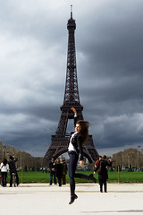20100327DK0C0907ps (zipped06) Tags: travel paris jump lulu toureiffel zara dg dolcegabbana gustaveeiffel costumenational barbarabui belstaff chemicalengineer