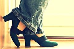 7 April 2010 (Copperhobnob) Tags: portrait selfportrait feet pose shoes floor explore jeans heels tribute clogsilk aprscav