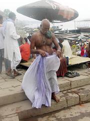 Tying Dhoti 1.8 (amiableguyforyou) Tags: india men up river underwear varanasi bathing dhoti oldmen ganges banaras benaras suriya uttarpradesh ritualbath hindus panche bathingghats ritualbathing langoti dhotar langota
