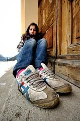 centosei_vorrei camminare... (ornygi ) Tags: friend rita neve inverno colori amica scarpe piedoni