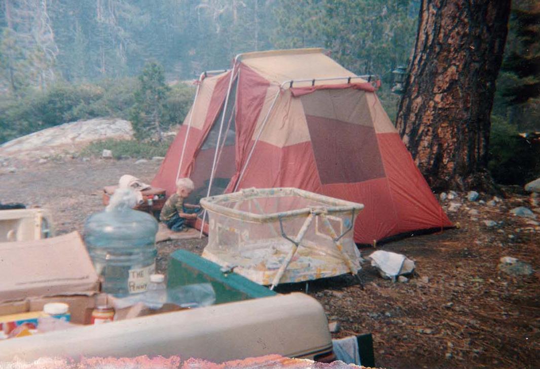 Arthur Camping - Large