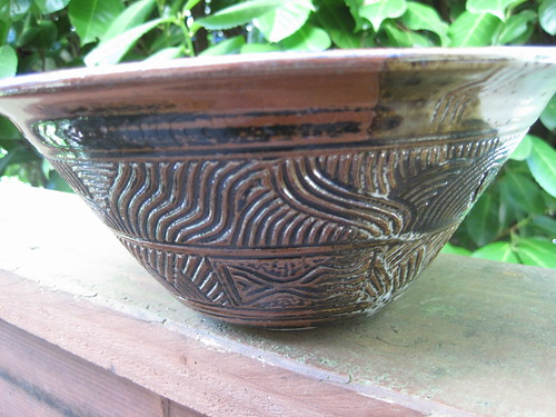 brown bowl side