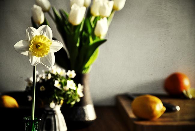 blommor på köksön