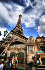 The Eiffel Tower in Las Vegas (Werner Kunz) Tags: world sky urban usa gambling money paris france tower night america photoshop french hotel town us nikon lasvegas wideangle center eiffel casino lucky stadt 40 sight hdr metropole photomatix 20fav gambeling colorefex nikond90 topazadjust lucysart werkunz1