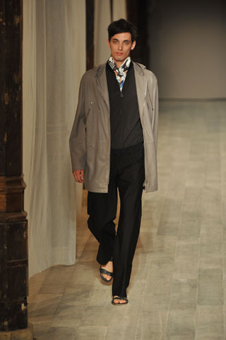 Chris Jones3005_SS09_Paris_Hermes(GQcom)