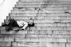 Urbana - Escadaria Sulacap (Lucas Vieira Moreira) Tags: centro urbana belohorizonte pedinte moradorderua condiosocial