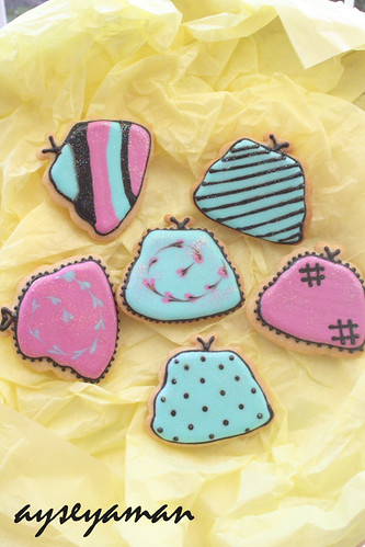Hangbag Cookies with Royal Icing