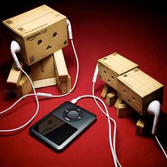 043/365:  Similar Taste In Music. (Randy Santa-Ana) Tags: red music toys ipod similar taste listen danbo gf1 project365 danboard minidanboard minidanbo 365daysofdanbo