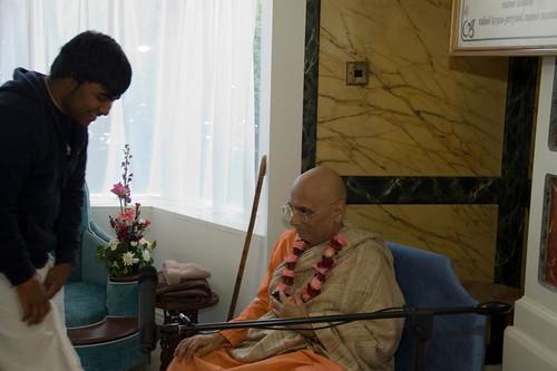H H Bhakti Caru Swami 2010 - 0037 por ISKCON desire tree.