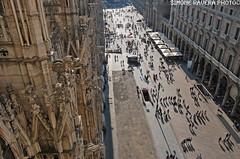 people shadows ($IMONE RAVERA PHOTO) Tags: milan nikon milano duomo italiy duomodimilano d60 marmo peopleshadows sottoilcielodimilano raverasimone 2010milano