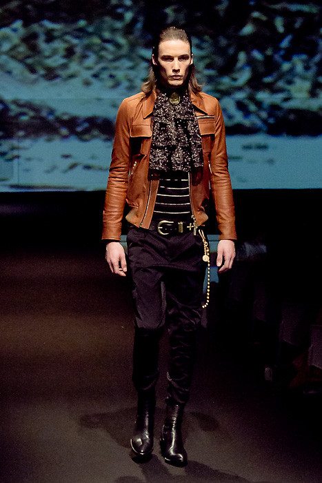 Mark Bland3018_FW10_JFW_GalaabenD(Fashionsnap)