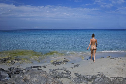 at the amateur topless beach candid pics: nudismo, baleares, mediterraneo, d80, cielo, desnuda, chica, arena, sexual, sol, azul, formentera, les, sexo, nudebeach, mar, muchacha, vacaciones, desnudo, playa, banador, biquini, mujer, guilla, turquesa, top, isla, nude, el, elguilla