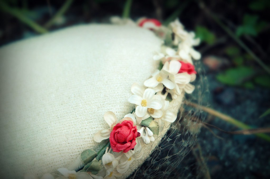 vintage 1950s floral hat