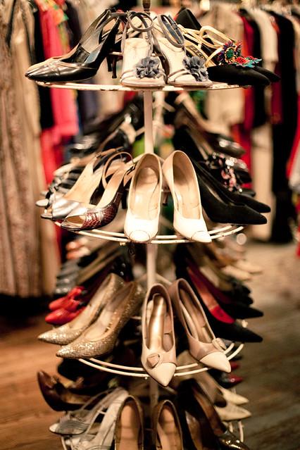 Bon Ton circle shoe rack