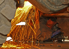Maintenance Platoon Welder at works (Canadian Army | Armée canadienne) Tags: afghanistan soldier welding equipment sparks kabul soldat peopleatwork nse étincelles soudure nationalsupportelement autowork shlvw logisticsupport maintenanceplatoon superheavylogisticsvehiclewheeled