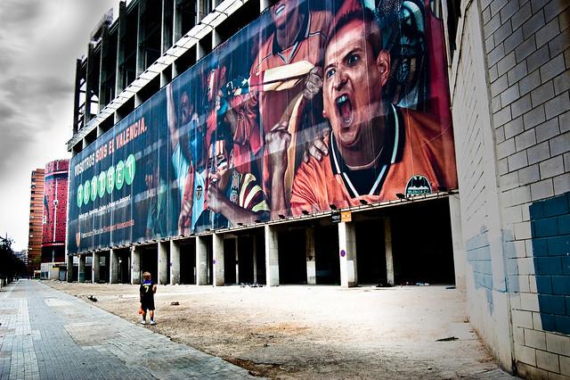 Benvinguts a Mestalla, lo stadio di Valencia! [more inside]