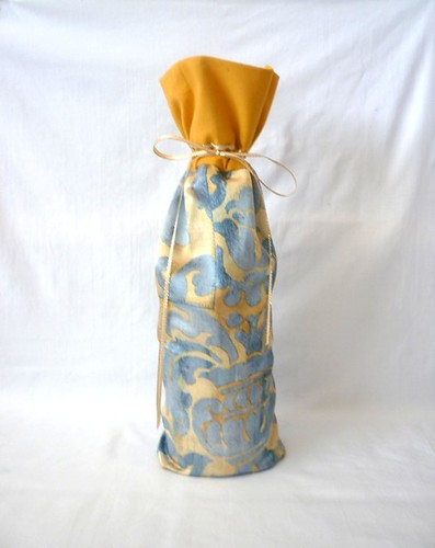 wine-bottle-sachet-cover-damask