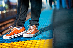 311/365: The Red Line (pixelmama) Tags: november urban orange texture cta explore converse masstransit eltrain redline chucks allstars gettyimages chucktaylor 2010 chicagoillinois hss pezdispensers project365 bokehpeople 3652010 wormseyeviewsunday hwevs pixelmama slidersunday thecozynoodle