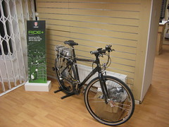 Electric Bike (Speeds Cycles, Bromsgrove) Tags: trek ride hybrid demobike speedscycles