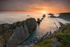 Broken Sunrise (Pablo Moreno Moral) Tags: costa quebrada sunrise broken roto amanecer urros rocas stones orange naranja seascape paisaje marítimo mar sea nikon d810 tamron