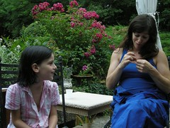 Lila & Jana (General Bye Bye) Tags: clip gbb july09 dontshoottherabbit