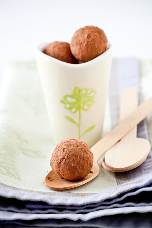 Tartelette: Les Truffes Au Chocolat - Dark Chocolate Truffles