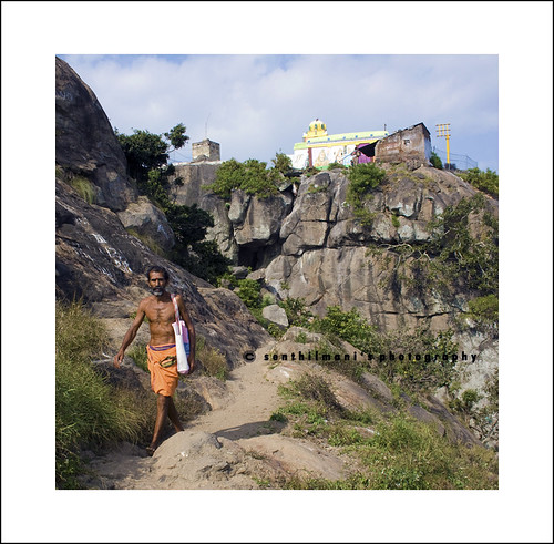 Parvathamalai's 500 years old sivan temple by SenShots / SenDiL.