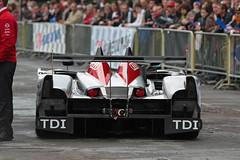 Audi R15 TDI (Thomas Courtonne) Tags: june tdi juin audi 2009 lemans p1 24hours lmp1 jacobins 24heures 24heuresdumans r15 scrutineering joest 24hoursoflemans pesage quiconces canon450d quinconcedesjacobins tamron70200f28 teamjoest quiconce