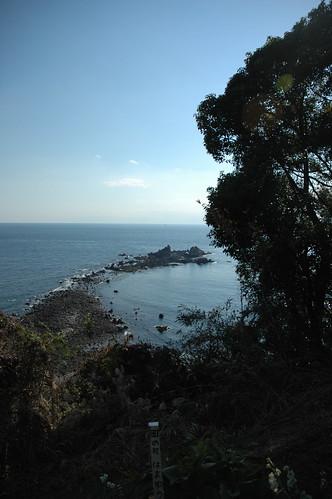 真鶴岬から三ツ岩を望む