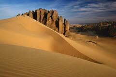 Tin Akacheker (hapulcu) Tags: sahara algeria desert algerie argelia dz tamanrasset tinakacheker onlythebestofnature