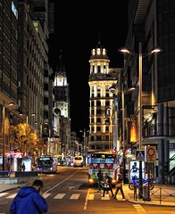 Time to loose (aerferaer) Tags: madrid lighting plaza people streets bus colors night buildings square lights luces spain edificios shadows gente streetlights colores textures nocturna 1001nights inspire farolas sombras contrasts texturas calles ornamentation contrastes fachadas iluminacin fronts ornamentacin nikkor50mmf18ais fineartphotos mywinner edificiotelefnica theunforgettablepictures theunforgettablepicture platinumheartaward betterthangood goldstaraward goldstarawardgoldmedalwinner yourpreferredpicture favoritesofmyfavorites rubyphotographer madridhistrico thebeautifulimagetop umbralaward imagesforthelittleprince historicmadrid 1001nightsmagiccity callejacometrezo artnetcontemporaryartists rhapsodicpoemsofhomerodysseus edificiosegurosallianz 1001280710nef
