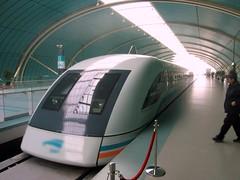 high-speed rail in China (by: Yosemite, Wikimedia Commons, via mammoth)