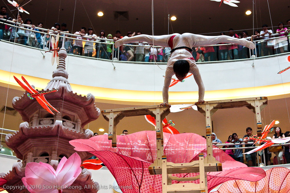 Spectacular GuangXi Acrobatic Show @ Mid Valley, KL, Malaysia