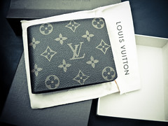 Louis Vuitton Florin Wallet In Monogram Canvas (snapshotaesthetic) Tags: en black paris sunglasses fashion canon gold louis designer wallet monogram powershot canvas boutique evidence maison handbag vuitton millionaire acetate g7 florin fondee