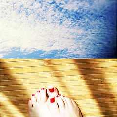 Peacefulness (-Ashtray Heart) Tags: red sky sun cold feet sol collage azul rojo think nails cielo nubes pies limit relfection