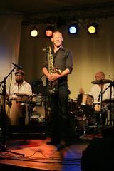 Sax (Coen Foxfield) Tags: colors canon jazz groningen sax 2009 saxophone noorderzon slightlyhighkey bohemiancoen oohcolorlyspots