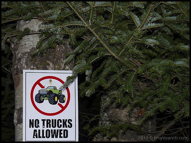 P1080689_no_trucks