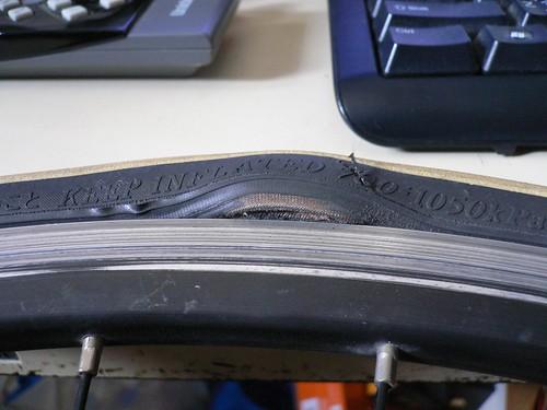 タイヤ破損状況 #1