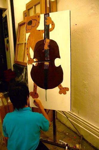 Dumo playing cello