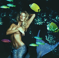 Gisele Bndchen (leavemebreath!) Tags: ocean fish supermodel bubbles mermaid giselebndchen