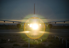 Just 1/45 second (Alberto Sen (www.albertosen.es)) Tags: españa plane airplane airport spain nikon aircraft alberto takeoff aeropuerto avion sen d80 albertorg