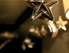 (Jessica Caryn) Tags: decorations metal silver star blurry focus shiny dof bokeh background depthoffield clear bokehoftheday