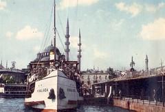 581012 Istanbul - Galata Rhtm - Knalada vapuru (galpay) Tags: bridge turkey postcard trkiye istanbul turquie trkei 1958 vapur turquia kpr galata turqua turchia  knalada    kartpostal    galpay 581012