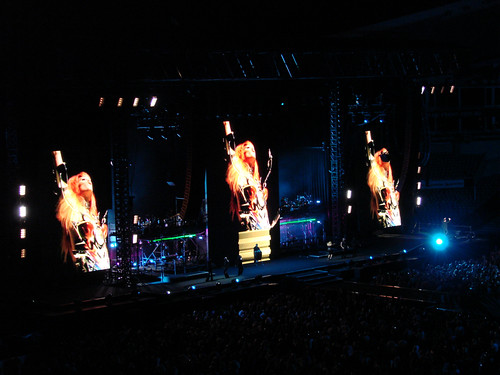 George Michael in concert, Sydney 2010 - 09