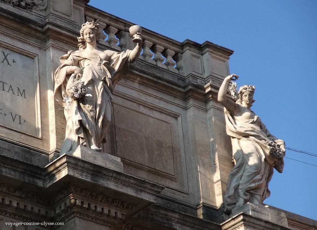 Statues de la fontaine romaine