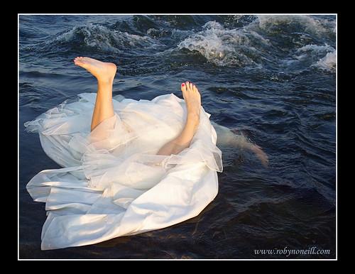 bride under water