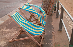 DP2 (Seaton Carew.) Tags: windyday stripes canvas bournemouth deckchairs dp2 blowinginthewind notakers readyandwaiting allstackedup ontheprom seatonpick obouttotakeoff paytosit 2daystoeaster