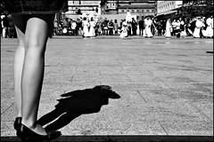 Semana Santa la Luz (Antonio Goya) Tags: santa blackandwhite bw espaa blancoynegro pilar spain nikon san maria jesus catedral iglesia pascua bn zaragoza paso entrada aragon fe cristo vela tamron goya nazareno coronacion semanasanta procesion bombo costal 2010 tambor manola jerusalen columna tradicion holyweek pasion instrumentos calvario mantilla penitencia incienso humildad habito folcklore eccehomo eucaristia matraca capuchon huerto d90 corneta fotoreportaje exaltacion devocion humillacion cuaresma costalero capirote 1750mm peana tercerol prendimiento atributo
