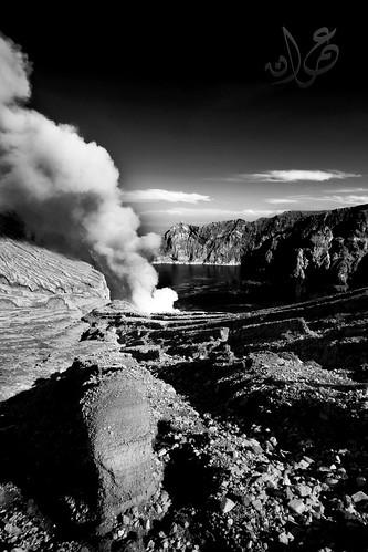 Kawah Ijen, Jawa Timur, Indonesia (B&W)